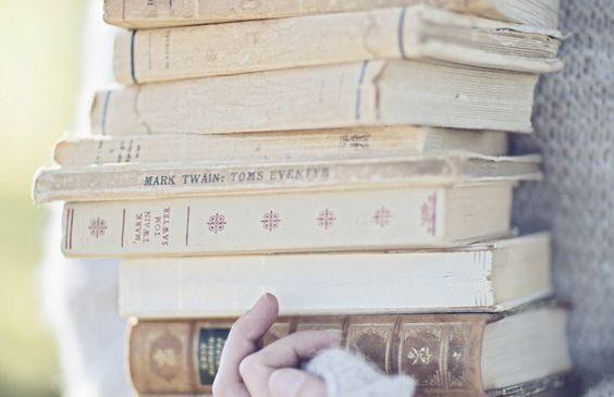Care au fost cele mai citite cărți de către ieșeni în 2016 și 2017