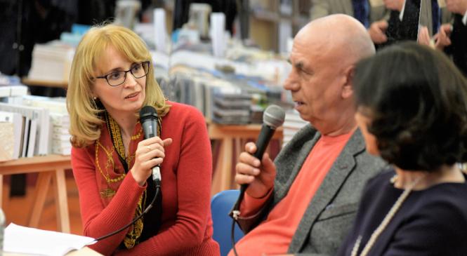 """Cristina Hermeziu, scriitor și fost jurnalist ieșean: """"E scris în genele noastre de oameni să ne povestim unii pe alţii."""""""