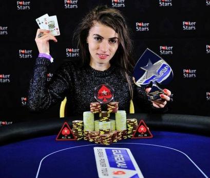 """Luciana Manolea, succesul în poker la feminin: """"M-am apucat de poker doar știind că se poate câștiga frumos din asta. Totul s-a transformat din job in pasiune, nicidecum invers"""""""